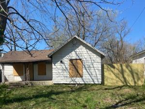 1135 West Pacific Springfield Mo 65803