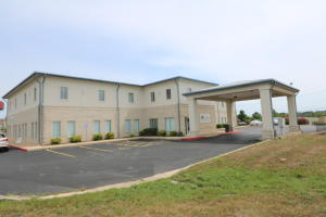 590 Birch Hollister Mo 65672 Unit 1 B