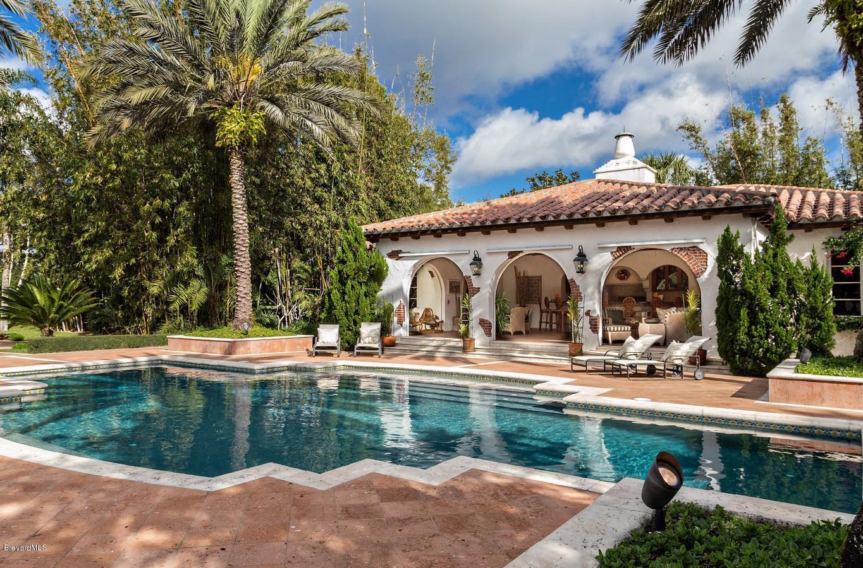 Additional photo for property listing at 205 Hacienda 205 Hacienda Merritt Island, Florida 32952 United States