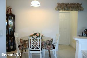 Dining area 941 Bimini