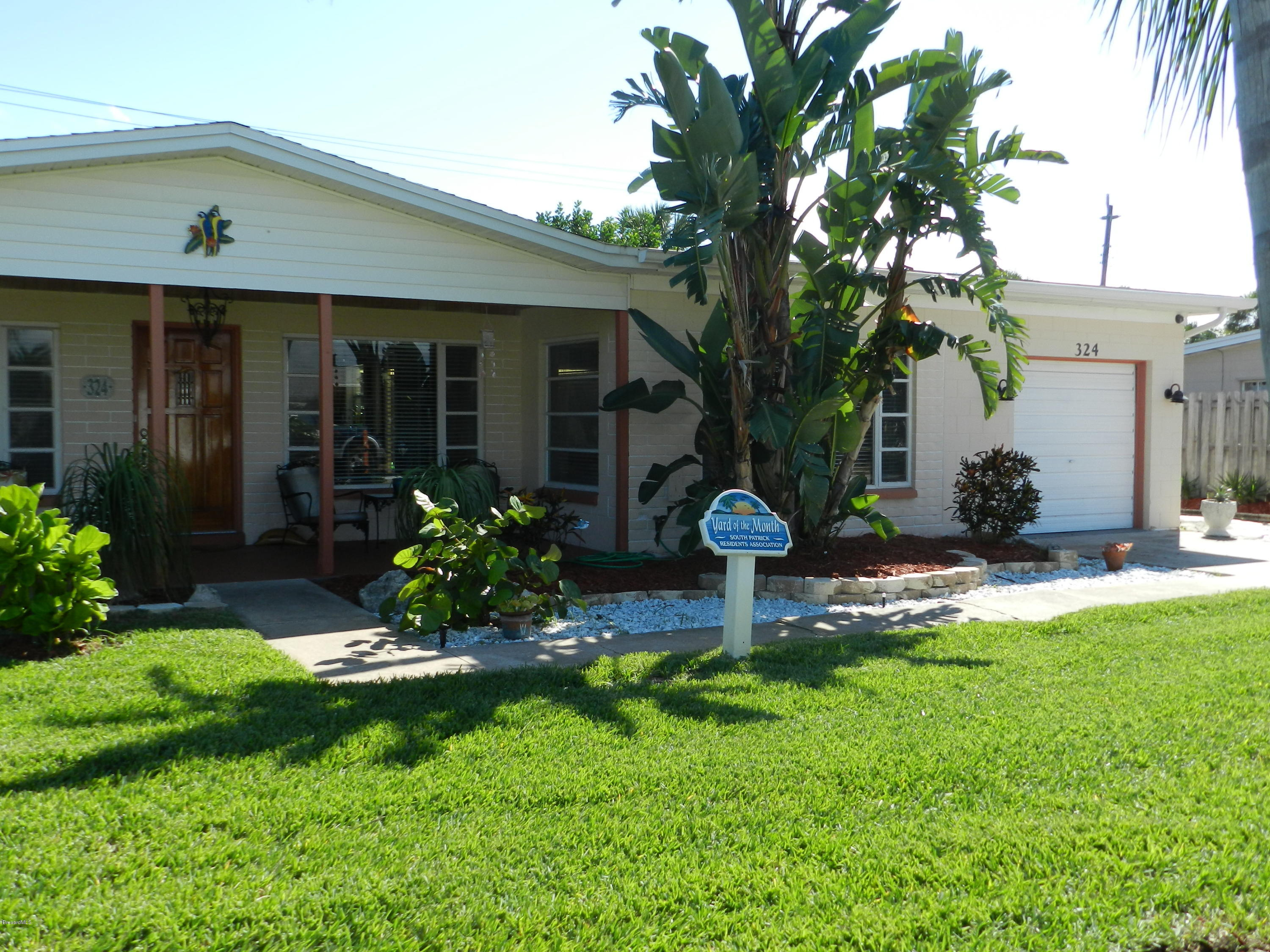 Single Family Homes for Rent at 324 W. Exeter Satellite Beach, Florida 32937 United States