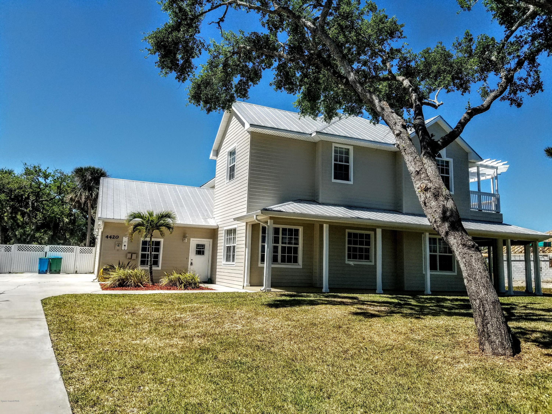 Casa Unifamiliar por un Venta en 4420 S Highway 1 4420 S Highway 1 Grant Valkaria, Florida 32949 Estados Unidos