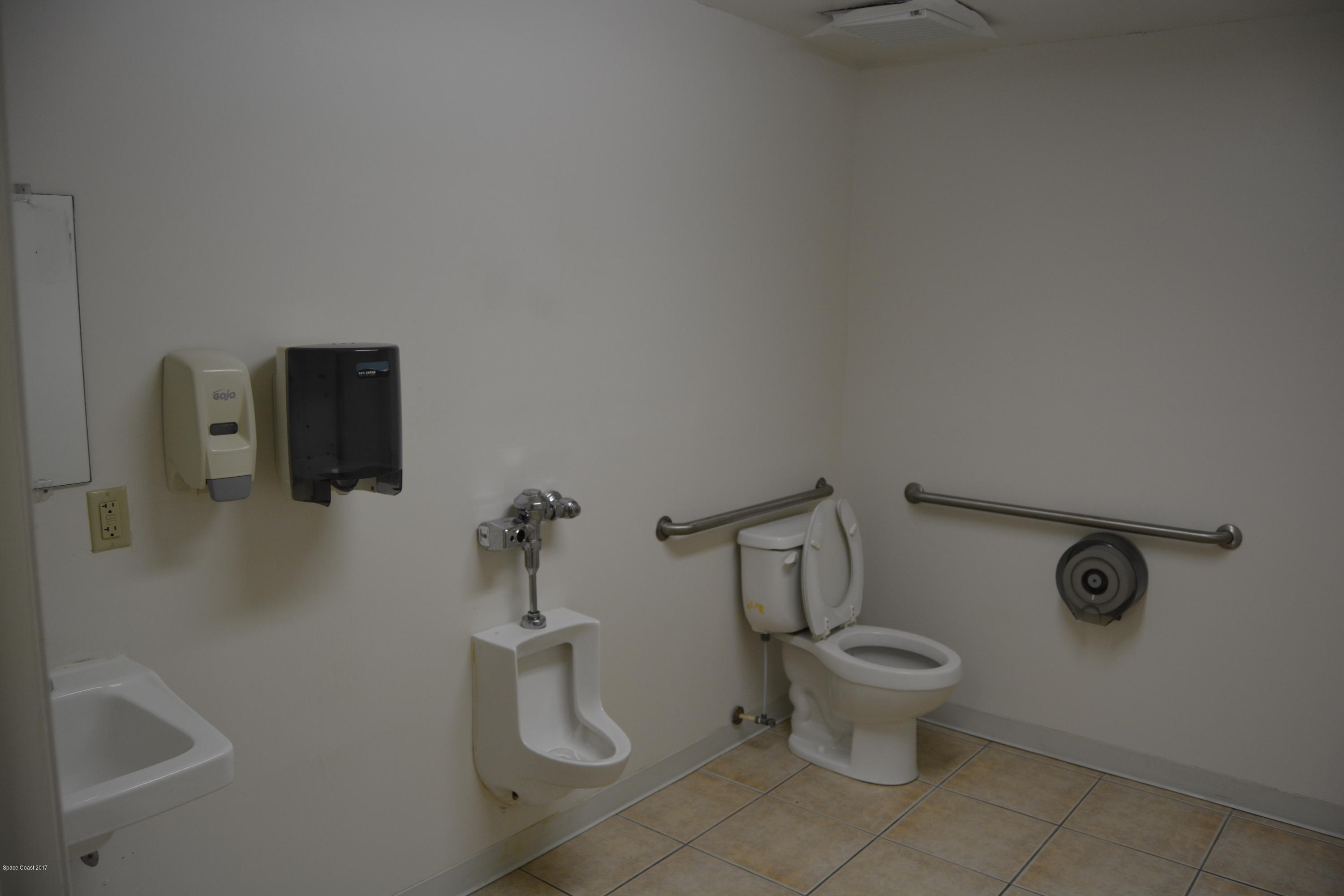 Additional photo for property listing at 191 Center Street Cape Canaveral, Florida 32920 United States