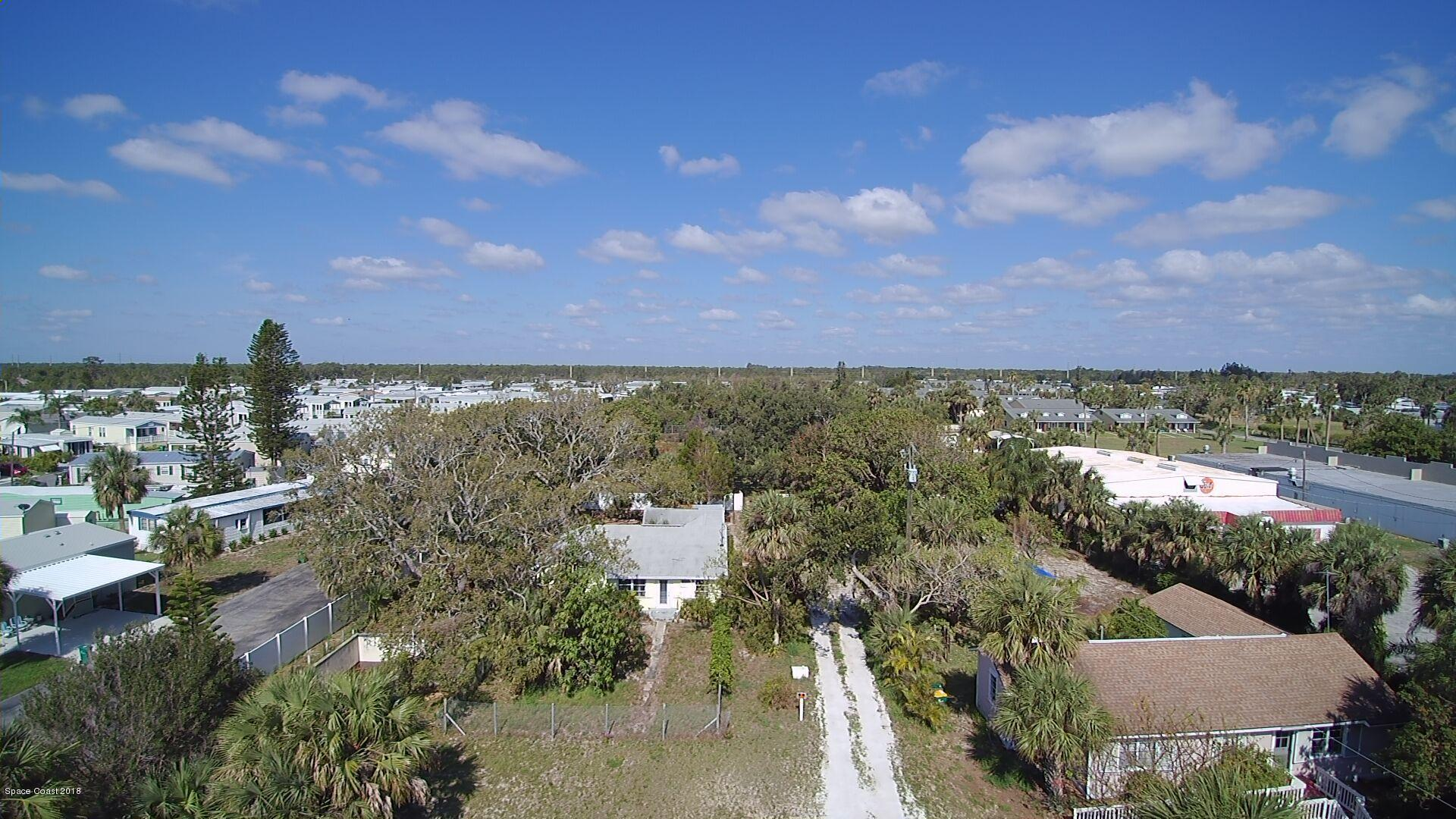 Single Family Home for Sale at 8560 Highway 1 8560 Highway 1 Micco, Florida 32976 United States