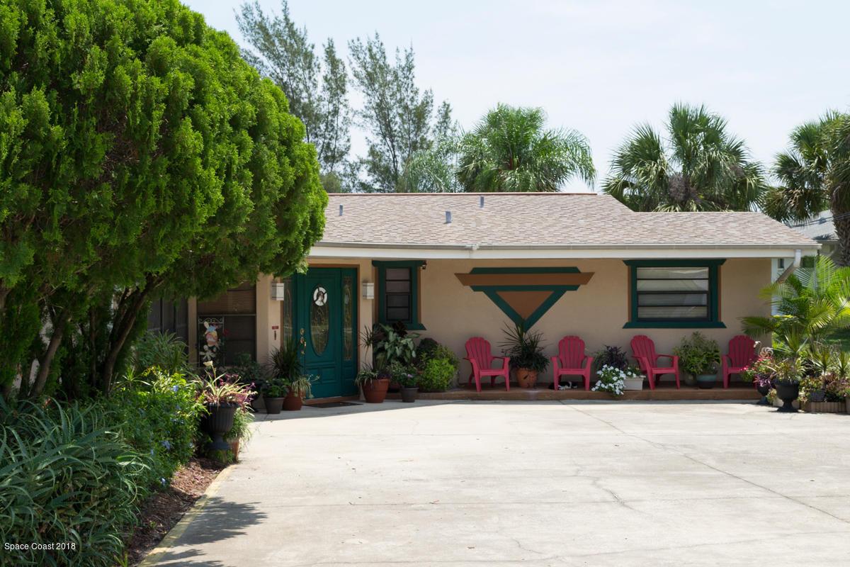 2081 Pineapple Avenue