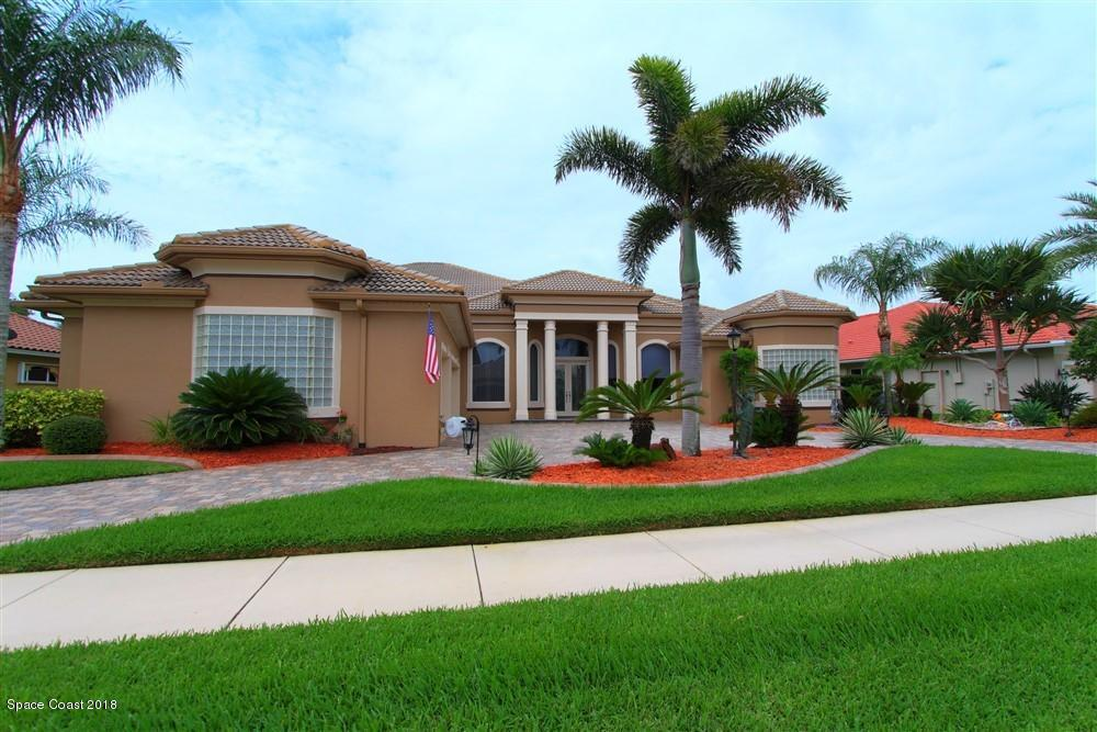 Single Family Home for Sale at 834 Chatsworth 834 Chatsworth Melbourne, Florida 32940 United States