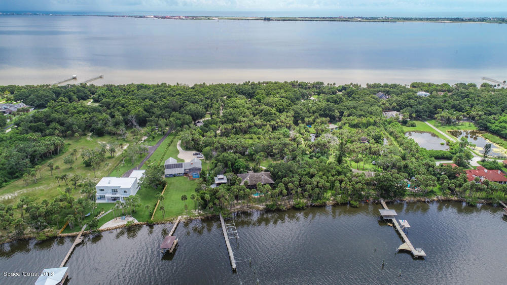 Single Family Home for Sale at 7235 S Tropical 7235 S Tropical Merritt Island, Florida 32952 United States