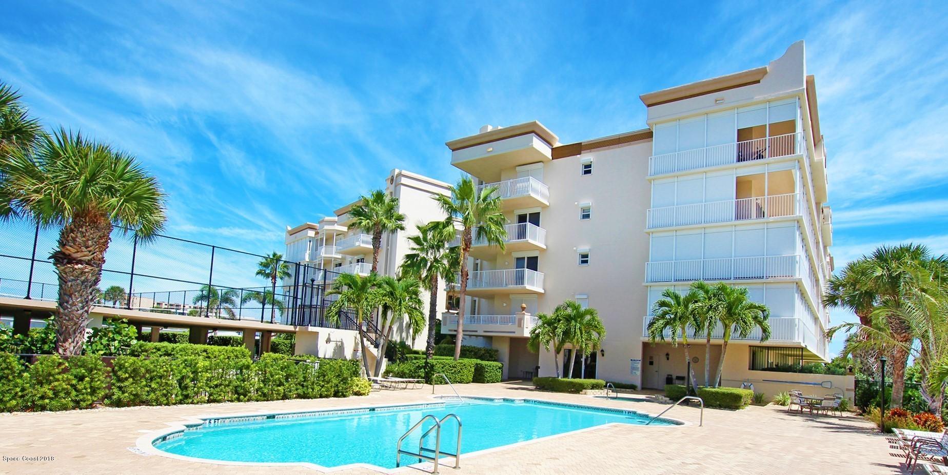 Maison unifamiliale pour l Vente à 425 Pierce 425 Pierce Cape Canaveral, Florida 32920 États-Unis