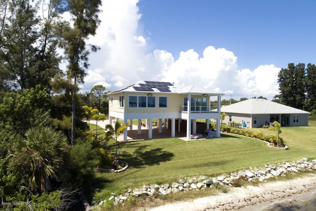Частный односемейный дом для того Продажа на 4075 S Us Hwy 1 4075 S Us Hwy 1 Grant Valkaria, Флорида 32949 Соединенные Штаты