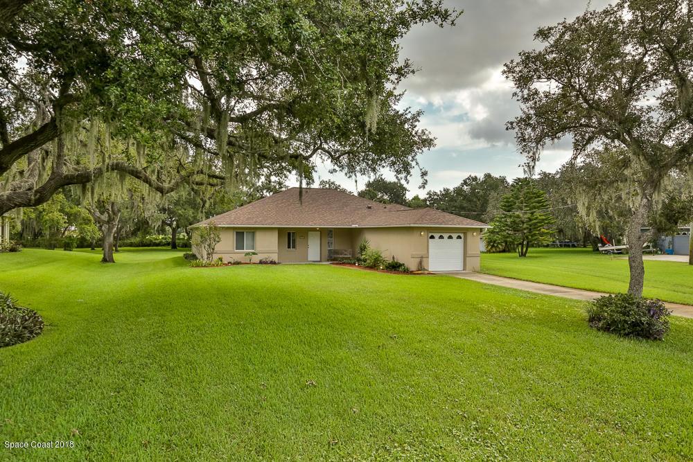 Villa per Vendita alle ore 309 N Gaines 309 N Gaines Oak Hill, Florida 32759 Stati Uniti