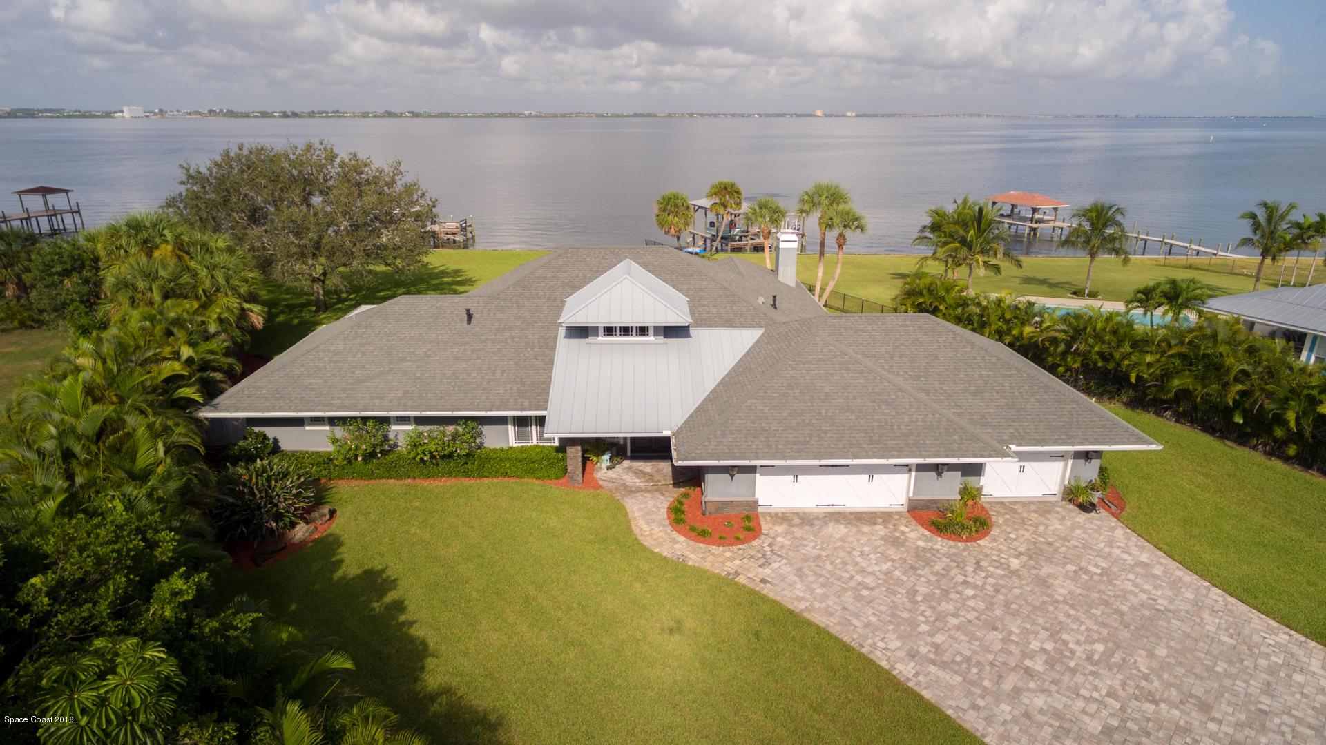 Enfamiljshus för Försäljning vid 11 Riverview 11 Riverview Indialantic, Florida 32903 Usa