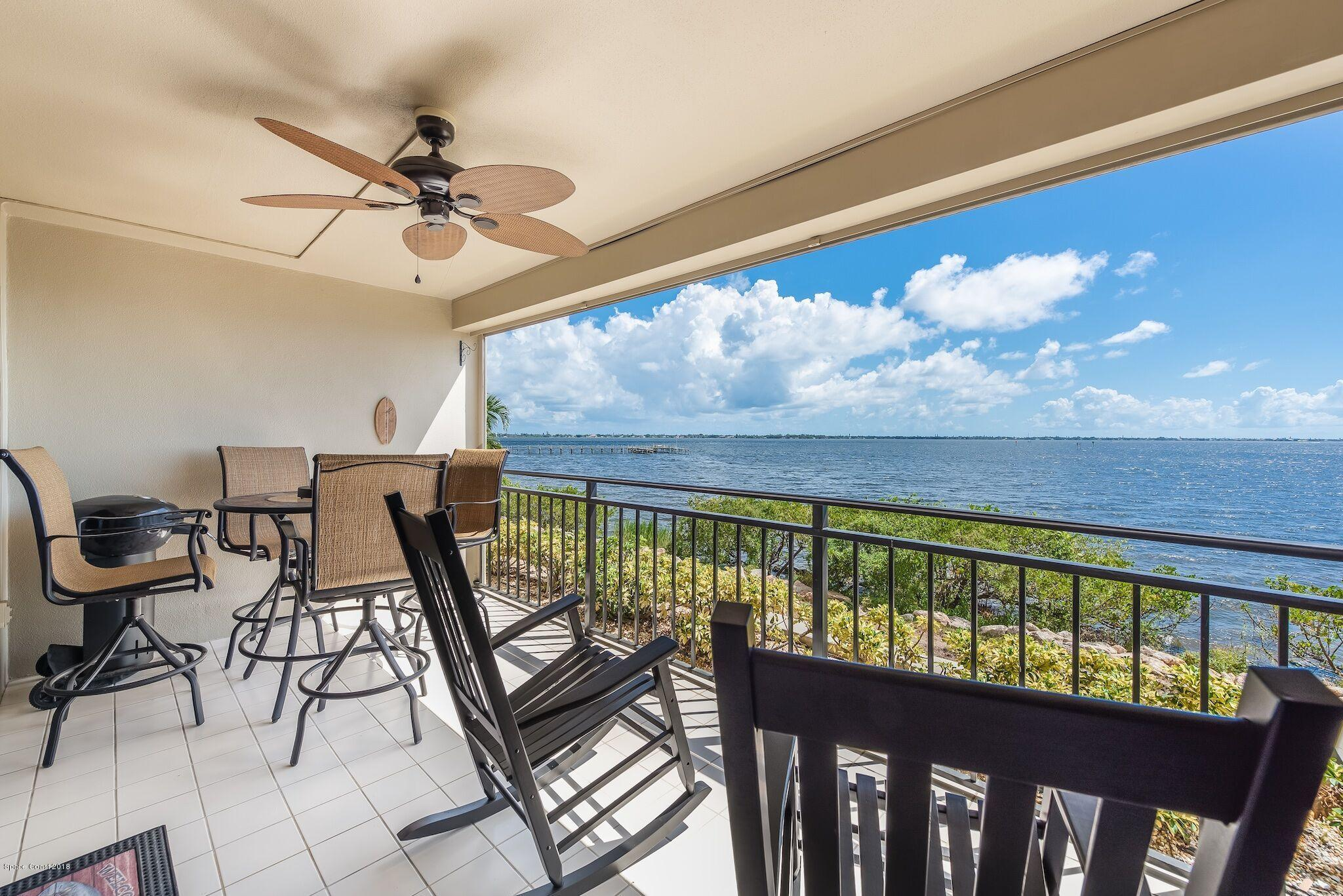 Single Family Home for Sale at 2260 Front 2260 Front Melbourne, Florida 32901 United States