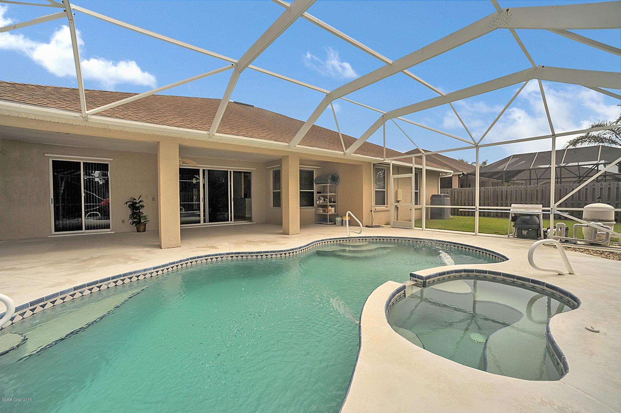 獨棟家庭住宅 為 出售 在 2553 Woodfield 2553 Woodfield West Melbourne, 佛羅里達州 32904 美國