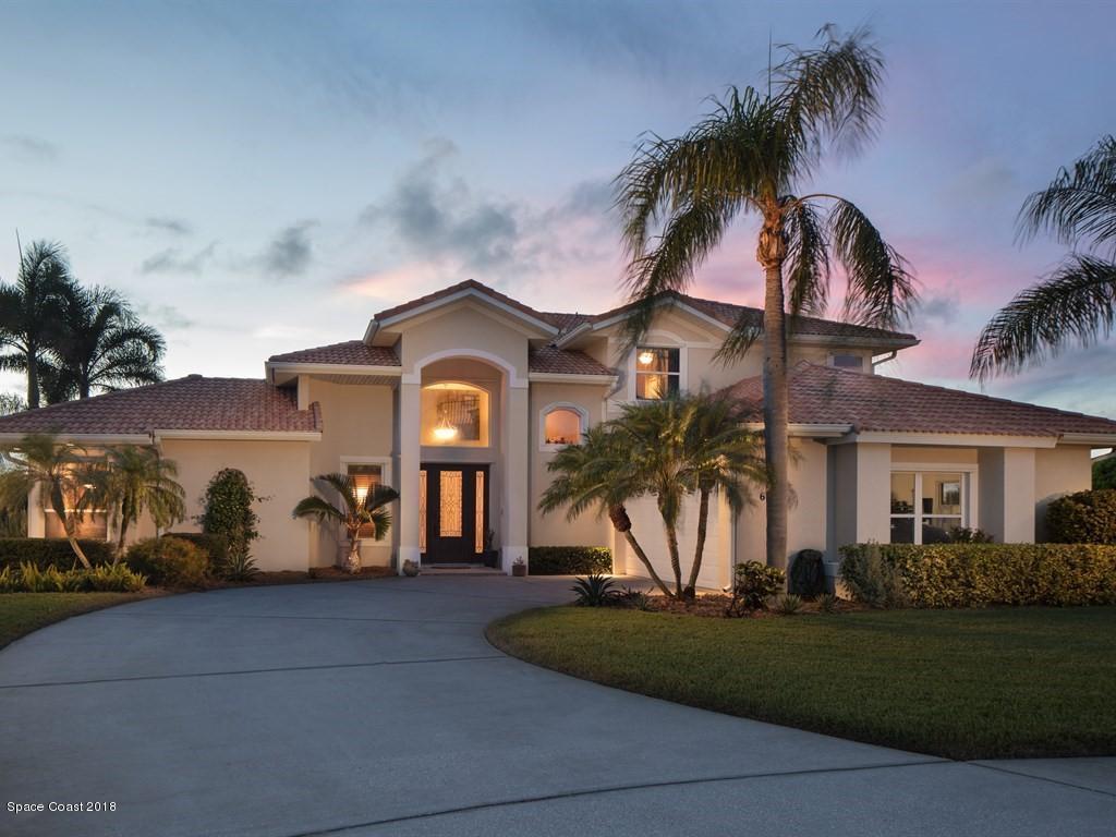 Single Family Home for Sale at 690 Fountain 690 Fountain Satellite Beach, Florida 32937 United States