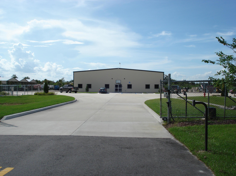 商用 为 销售 在 3950 South Street 3950 South Street Titusville, 佛罗里达州 32780 美国