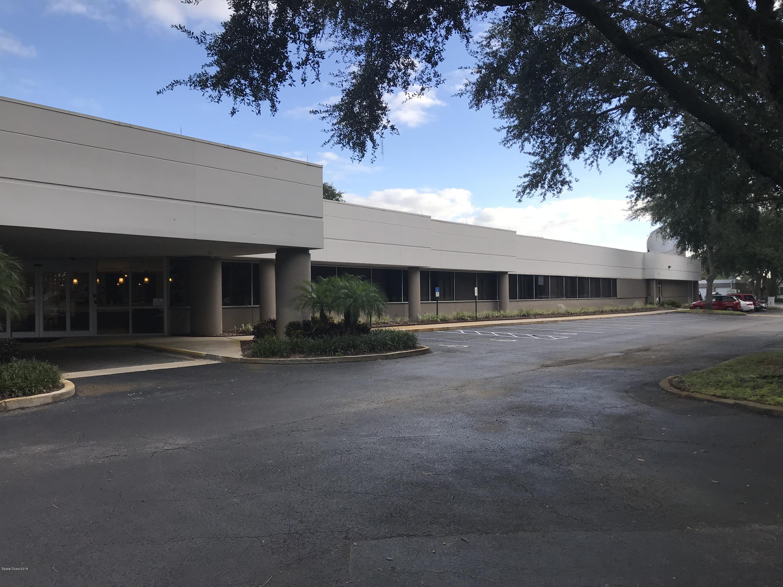 Comercial por un Alquiler en 1250 Grumman 1250 Grumman Titusville, Florida 32780 Estados Unidos