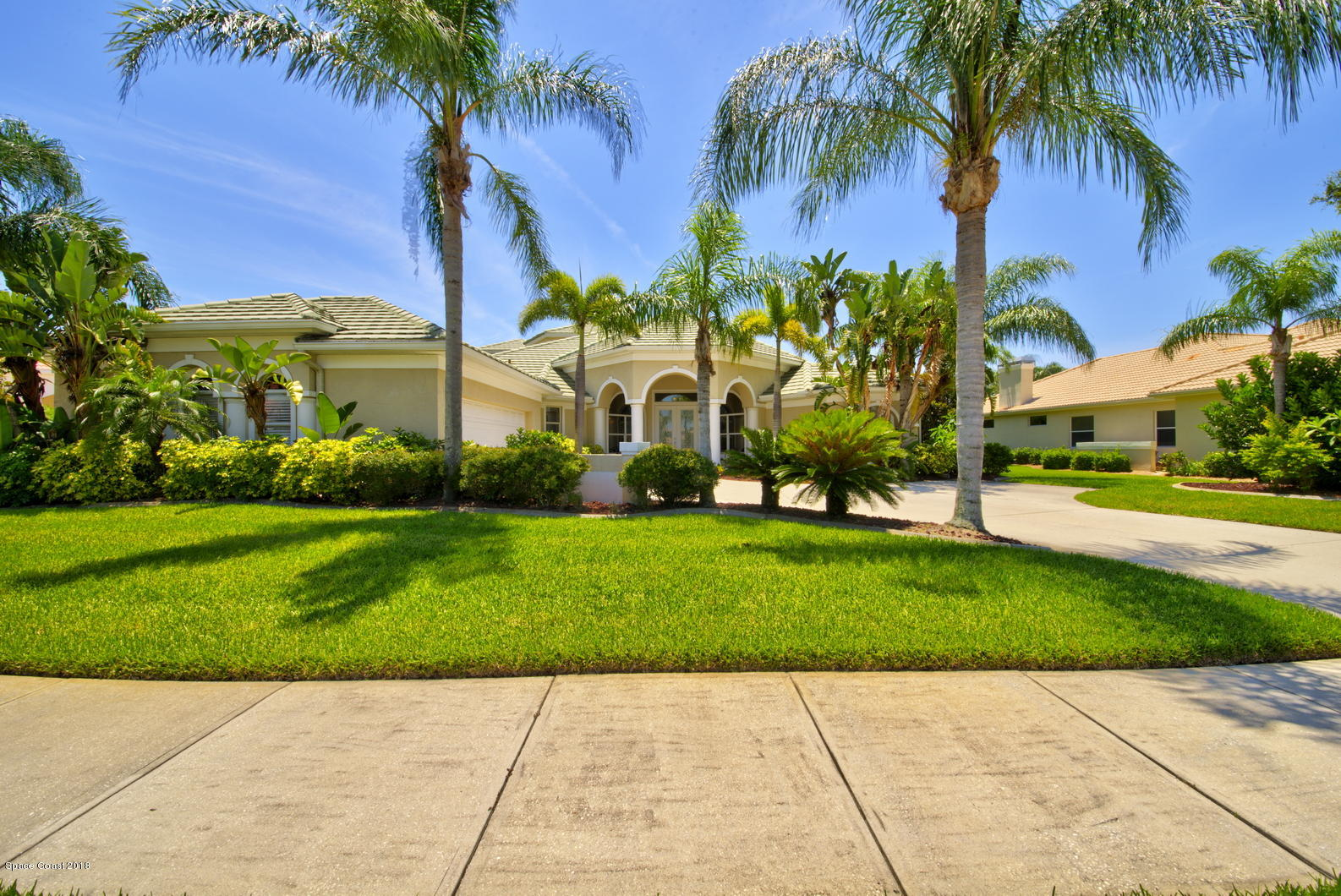 Single Family Home for Sale at 1073 Balmoral 1073 Balmoral Melbourne, Florida 32940 United States