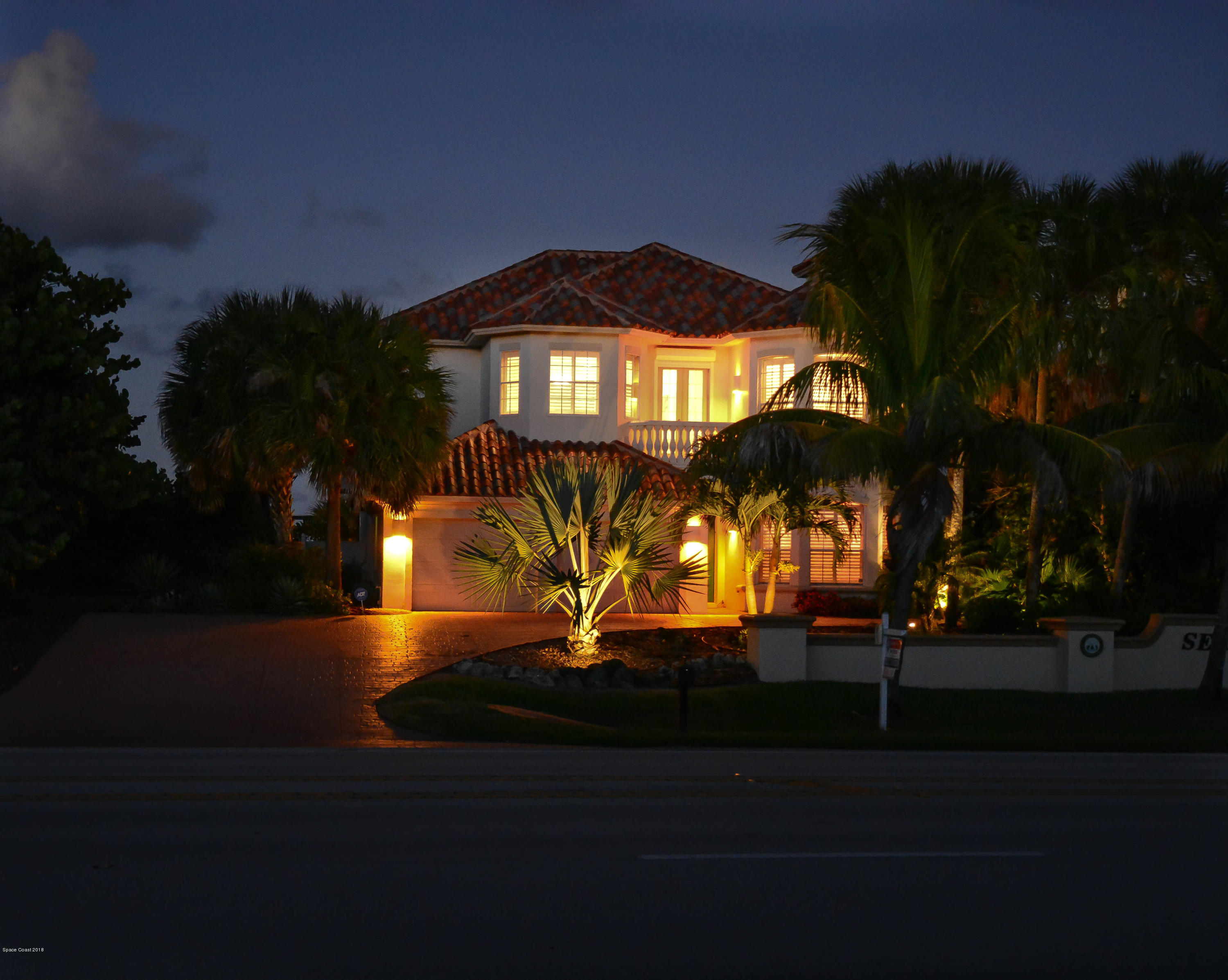 Single Family Home for Sale at 7575 S Highway A1a 7575 S Highway A1a Melbourne Beach, Florida 32951 United States