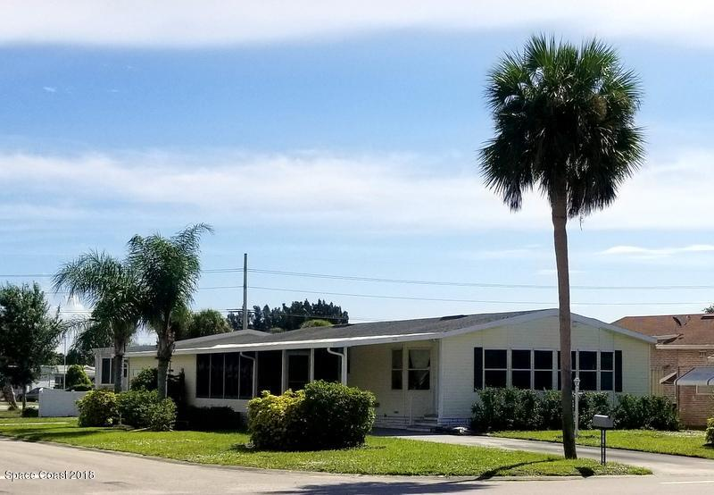 Single Family Home for Sale at 450 Barefoot 450 Barefoot Barefoot Bay, Florida 32976 United States