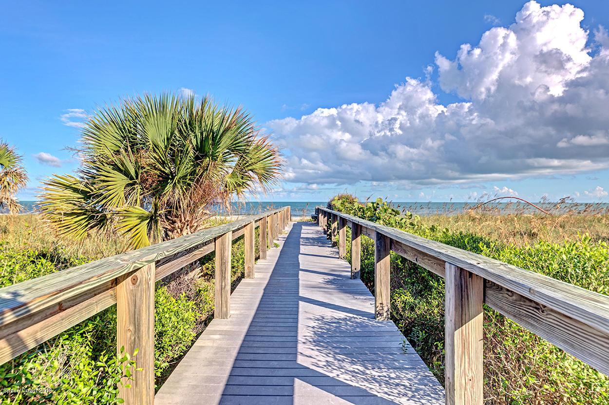 Nhà ở một gia đình vì Thuê tại 8600 Ridgewood 8600 Ridgewood Cape Canaveral, Florida 32920 Hoa Kỳ