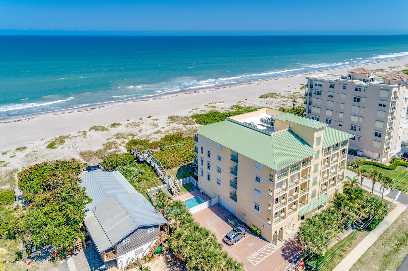 Nhà ở một gia đình vì Thuê tại 2465 S Atlantic 2465 S Atlantic Cocoa Beach, Florida 32931 Hoa Kỳ