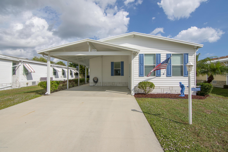 Enfamiljshus för Försäljning vid 1104 Barefoot 1104 Barefoot Barefoot Bay, Florida 32976 Förenta staterna
