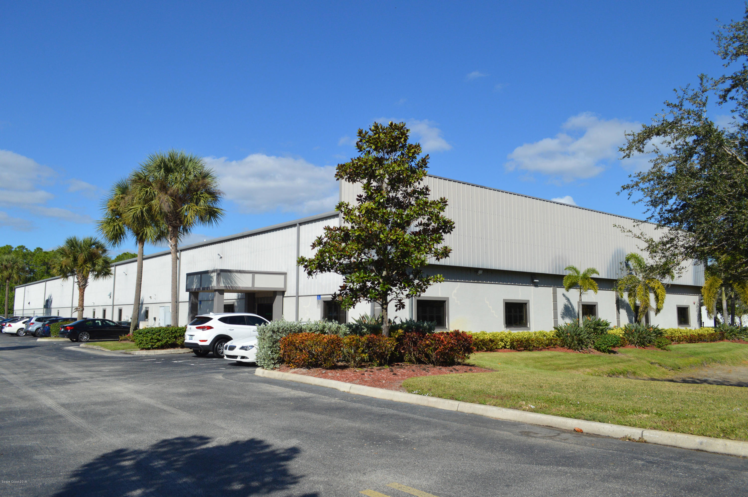 Commercial for Sale at 710 N North Drive 710 N North Drive Melbourne, Florida 32934 United States