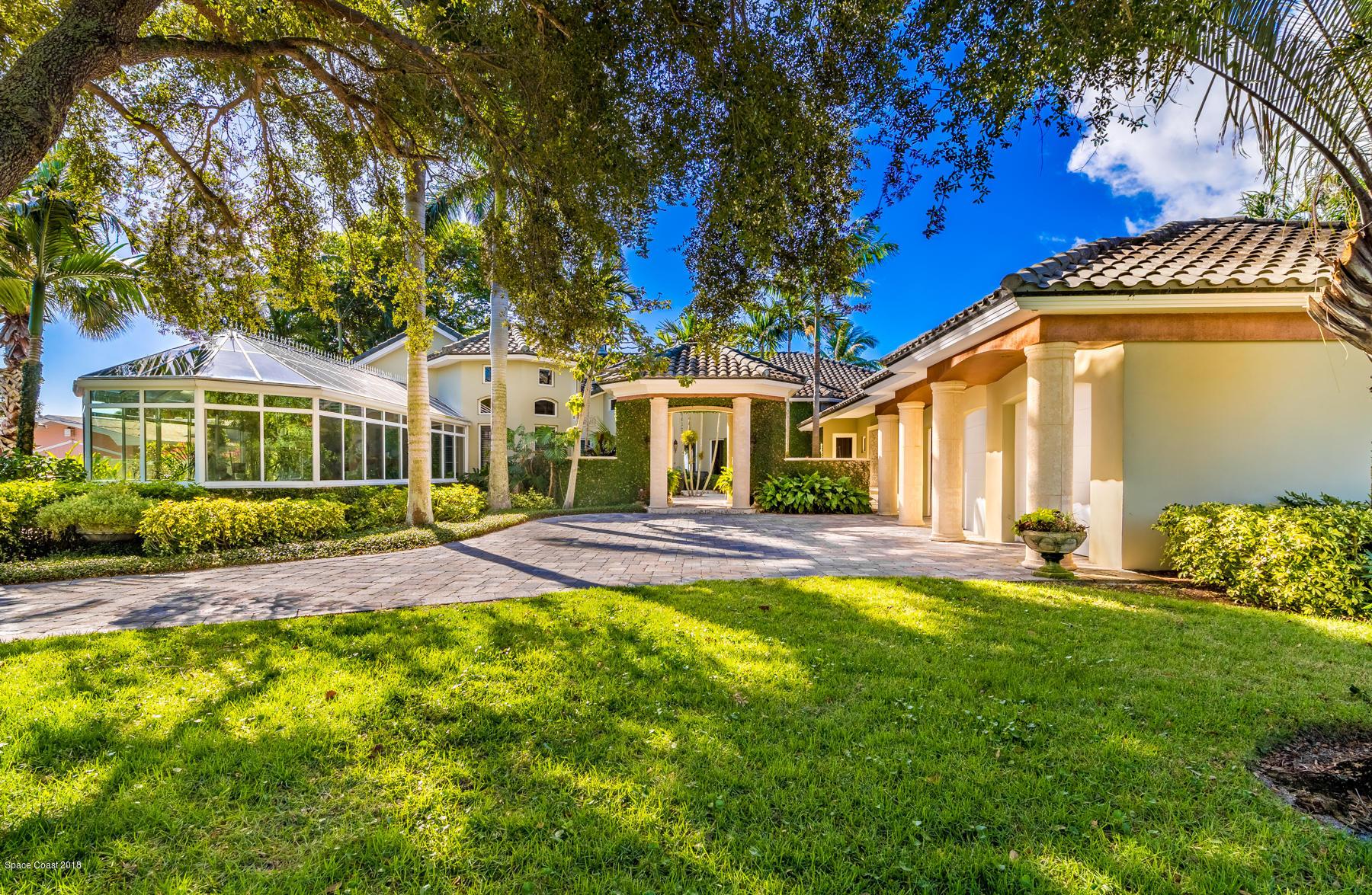 Single Family Homes 용 매매 에 200 Riverside Melbourne Beach, 플로리다 32951 미국