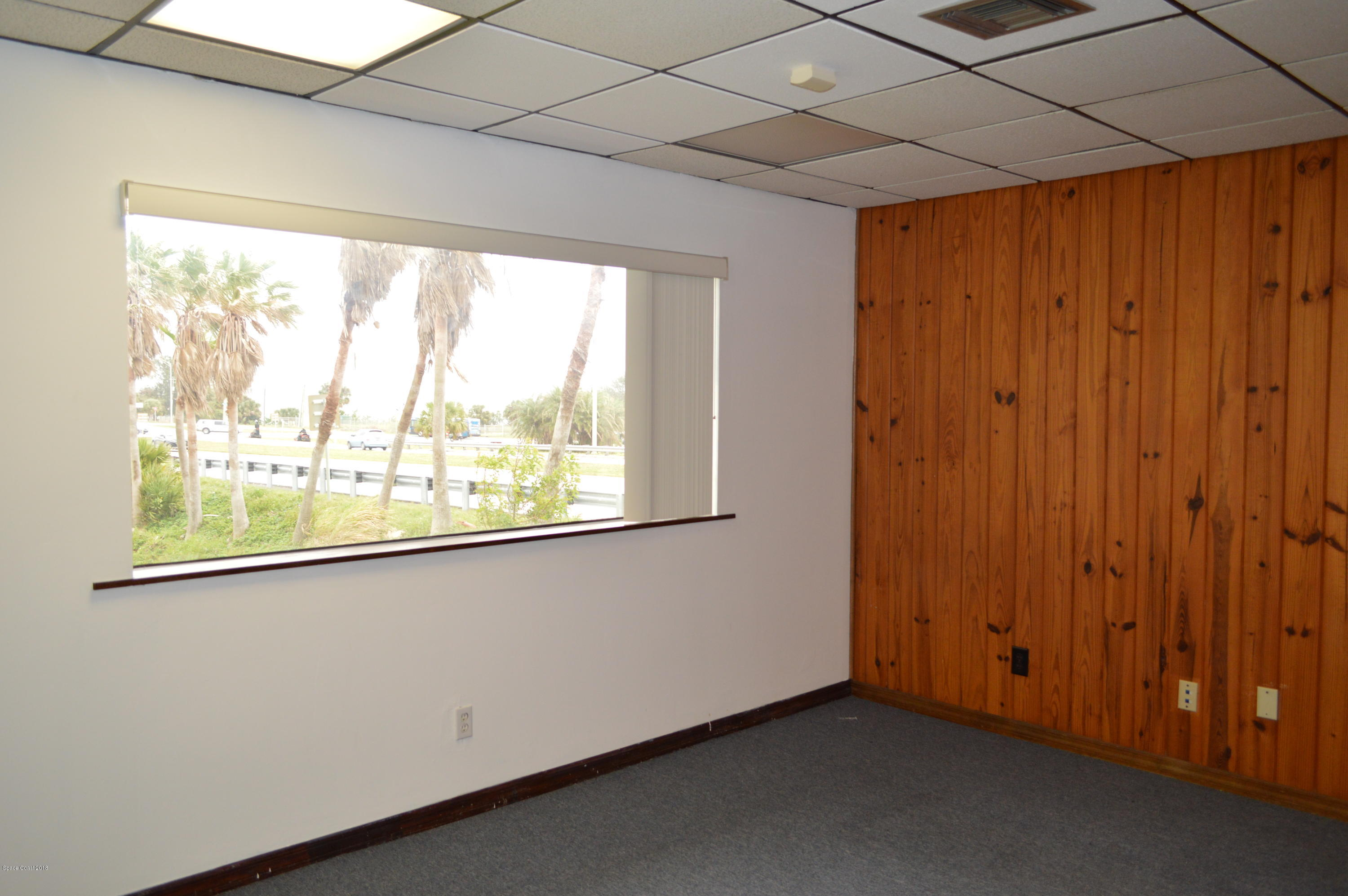 Additional photo for property listing at 1825 Riverview Melbourne, Florida 32901 United States