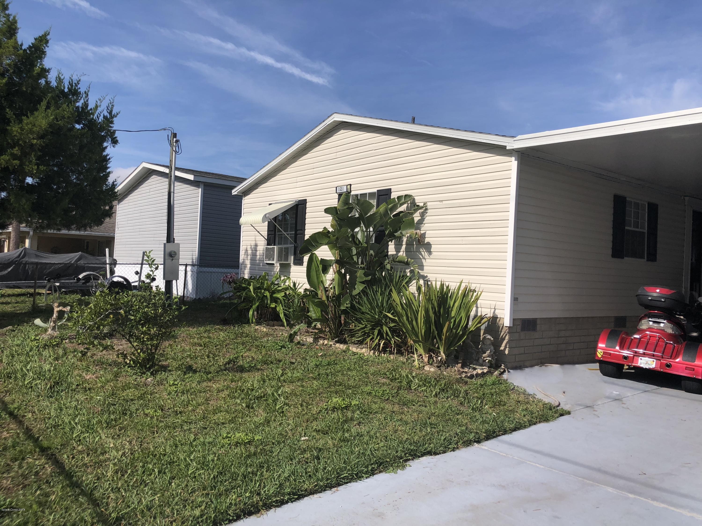 Maison unifamiliale pour l Vente à 121 Douglas 121 Douglas Edgewater, Floride 32141 États-Unis