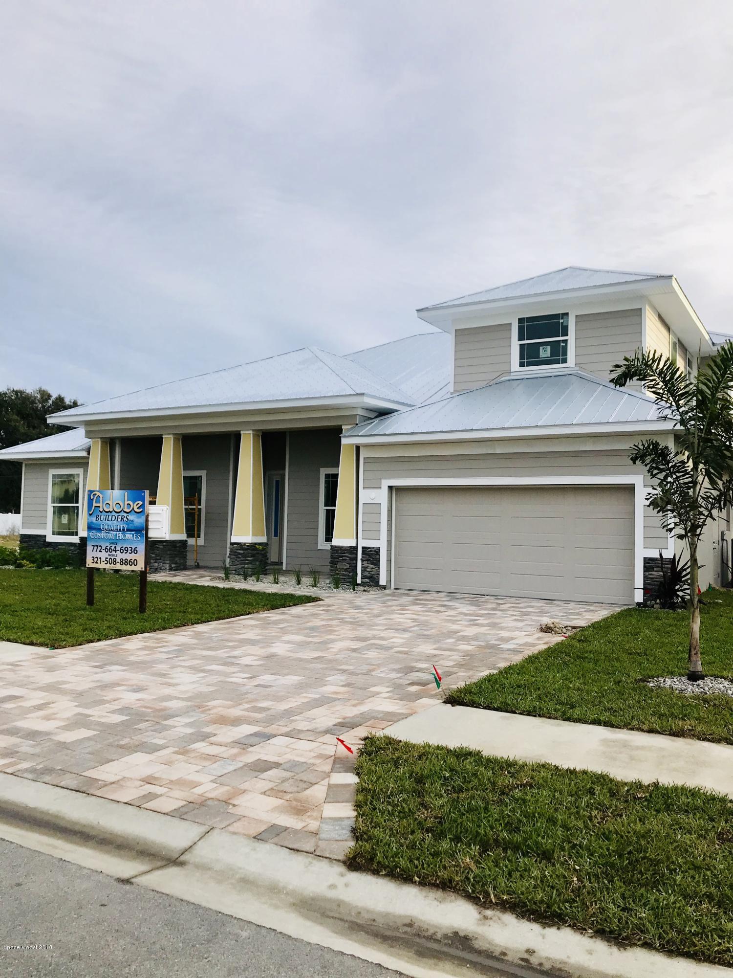 Casa para uma família para Venda às 125 Enclave 125 Enclave Indian Harbour Beach, Florida 32937 Estados Unidos