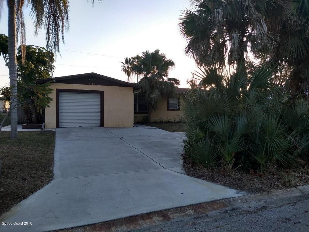 Single Family Home for Sale at 2785 Locksley 2785 Locksley Melbourne, Florida 32935 United States