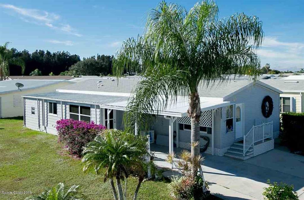 Vivienda unifamiliar por un Venta en 337 Loquat 337 Loquat Barefoot Bay, Florida 32976 Estados Unidos