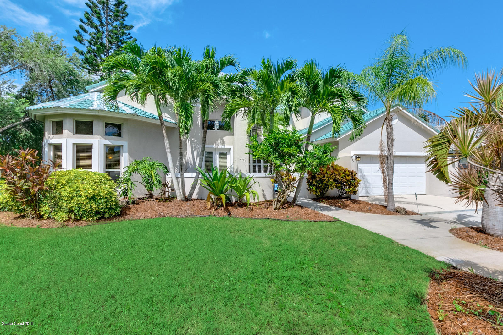 Single Family Home for Sale at 1790 Canterbury 1790 Canterbury Indialantic, Florida 32903 United States