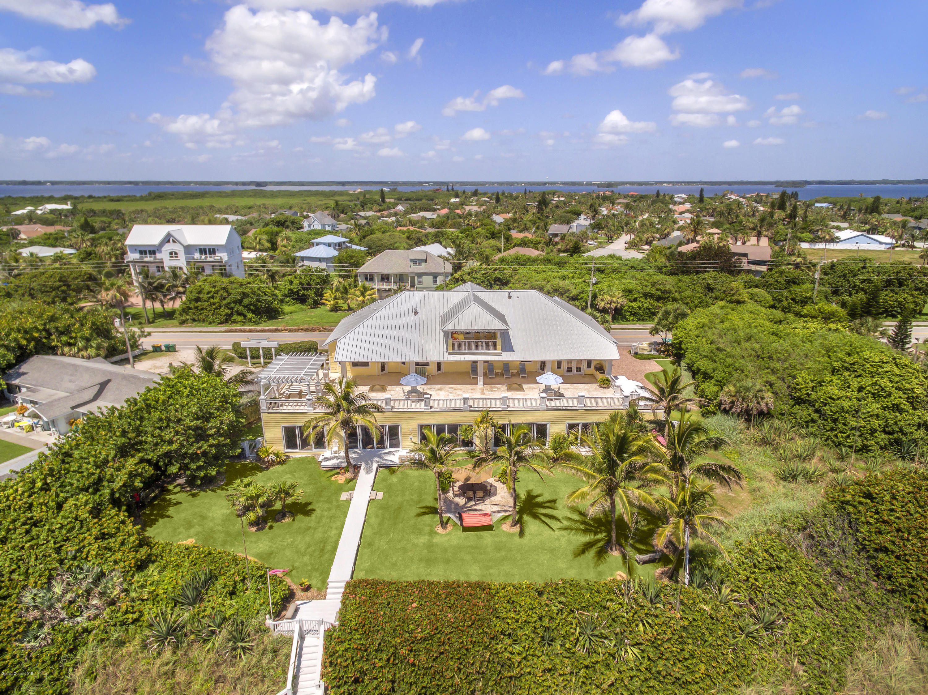 Single Family Home for Sale at 5045 S Highway A1a 5045 S Highway A1a Melbourne Beach, Florida 32951 United States