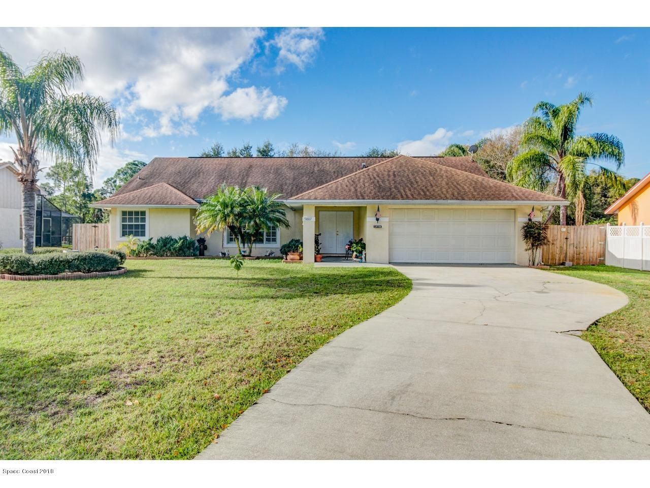 Single Family Homes for Sale at 5807 Deer Run Fort Pierce, Florida 34951 United States