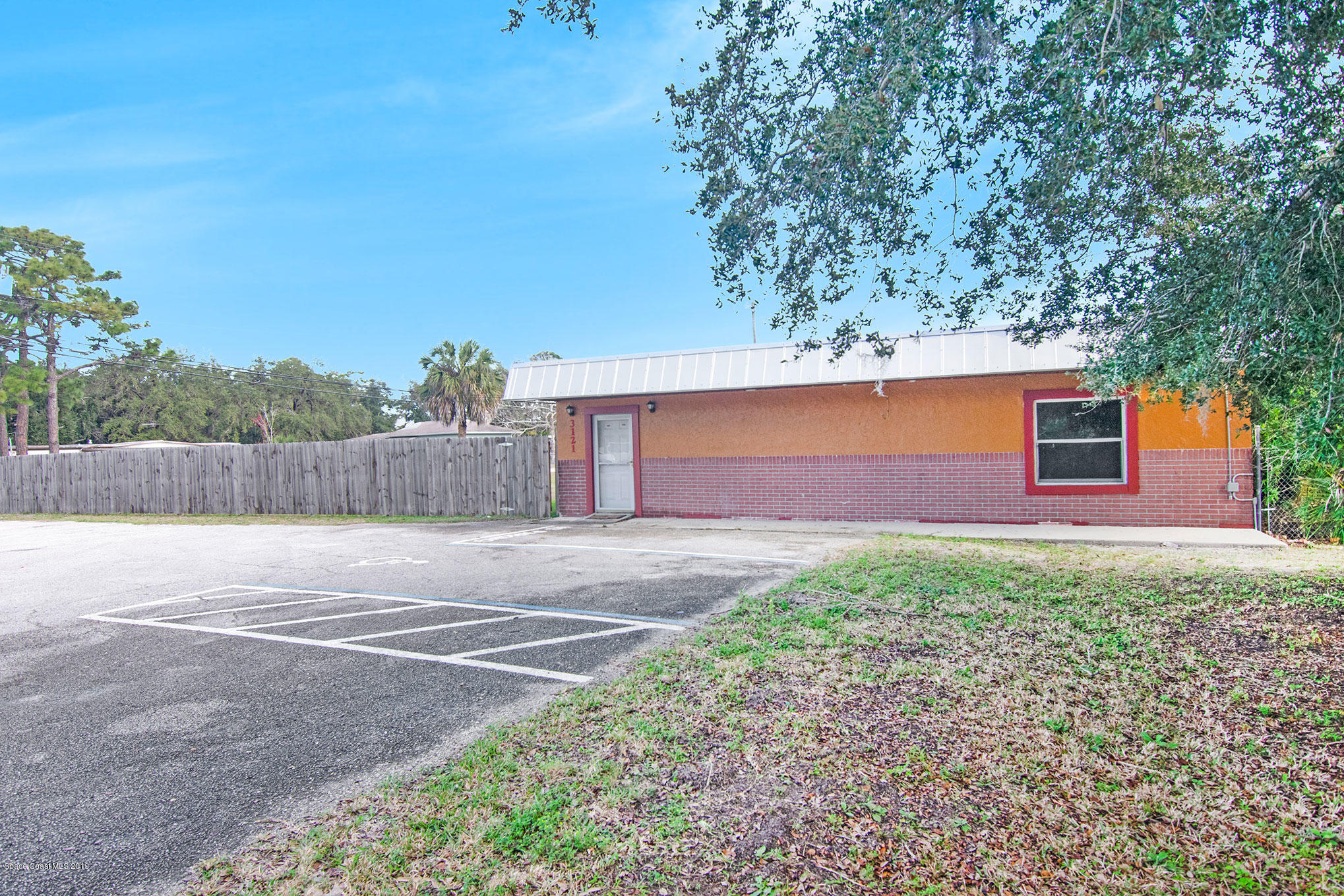 Commercial for Rent at 3121 Highway 1 Mims, Florida 32754 United States