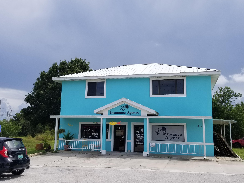 Comercial por un Venta en 307 Barefoot Boulevard 307 Barefoot Boulevard Barefoot Bay, Florida 32976 Estados Unidos