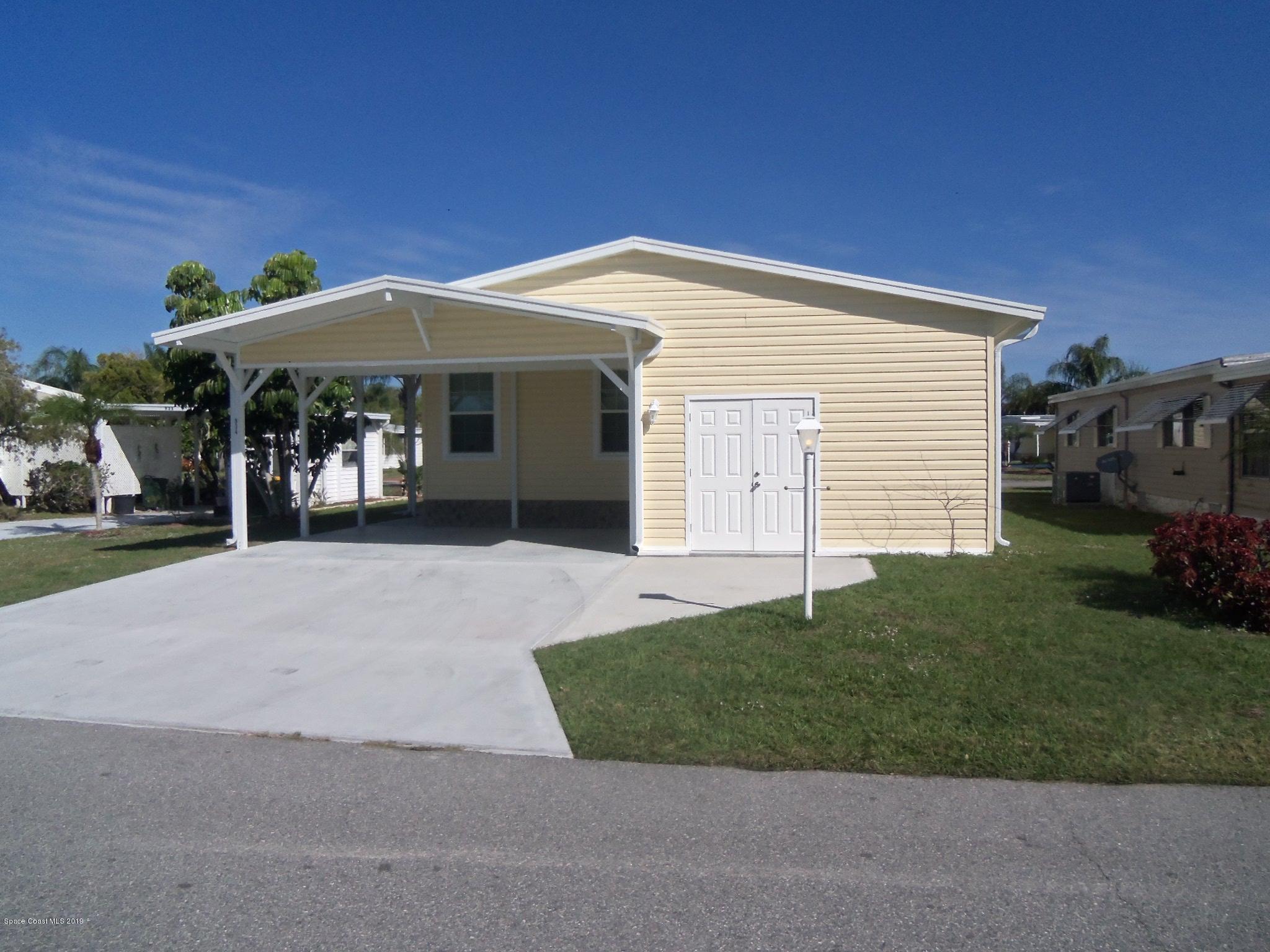 独户住宅 为 销售 在 934 Fir 934 Fir Barefoot Bay, 佛罗里达州 32976 美国
