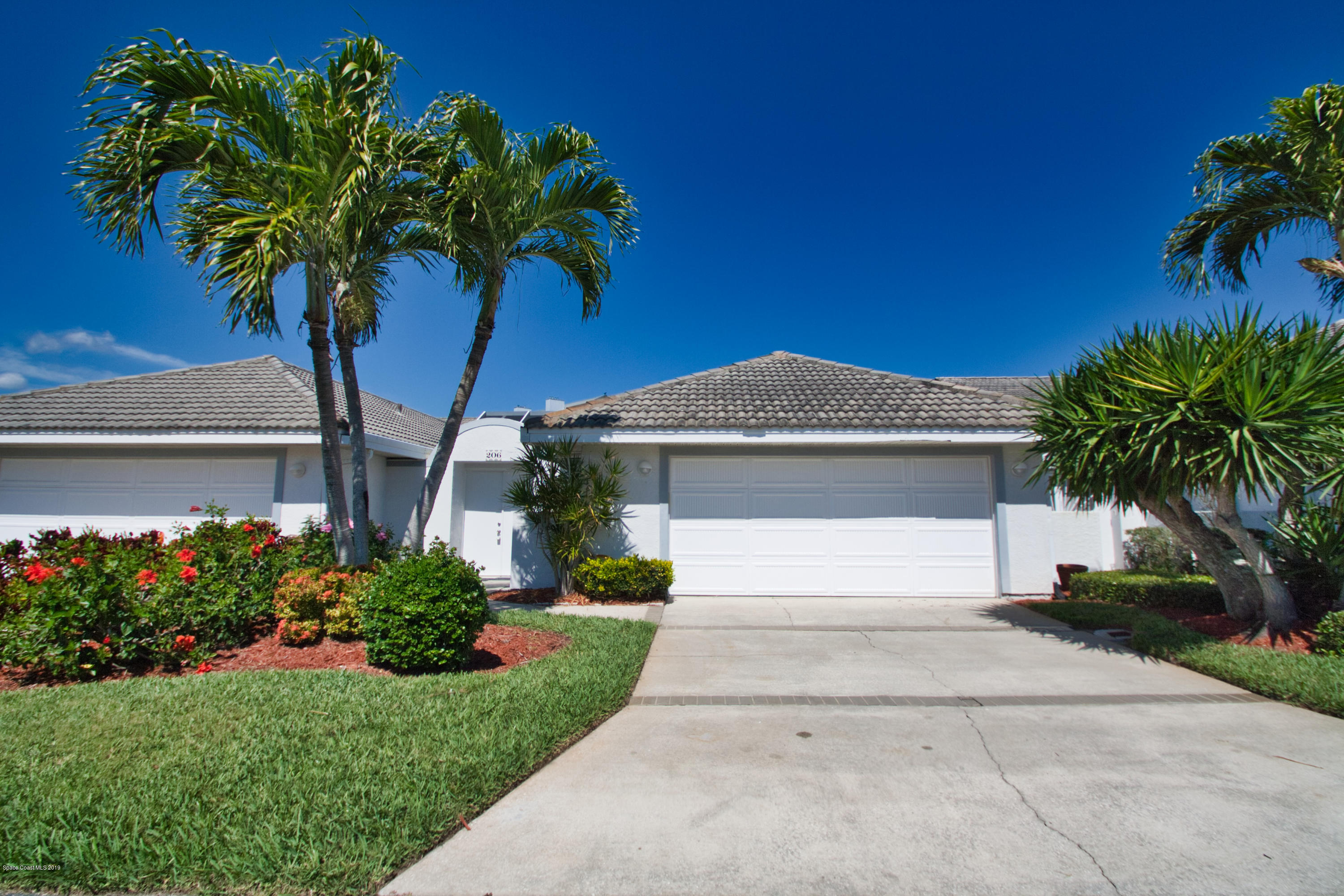 Single Family Home for Sale at 206 Glengarry Melbourne Beach, Florida 32951 United States