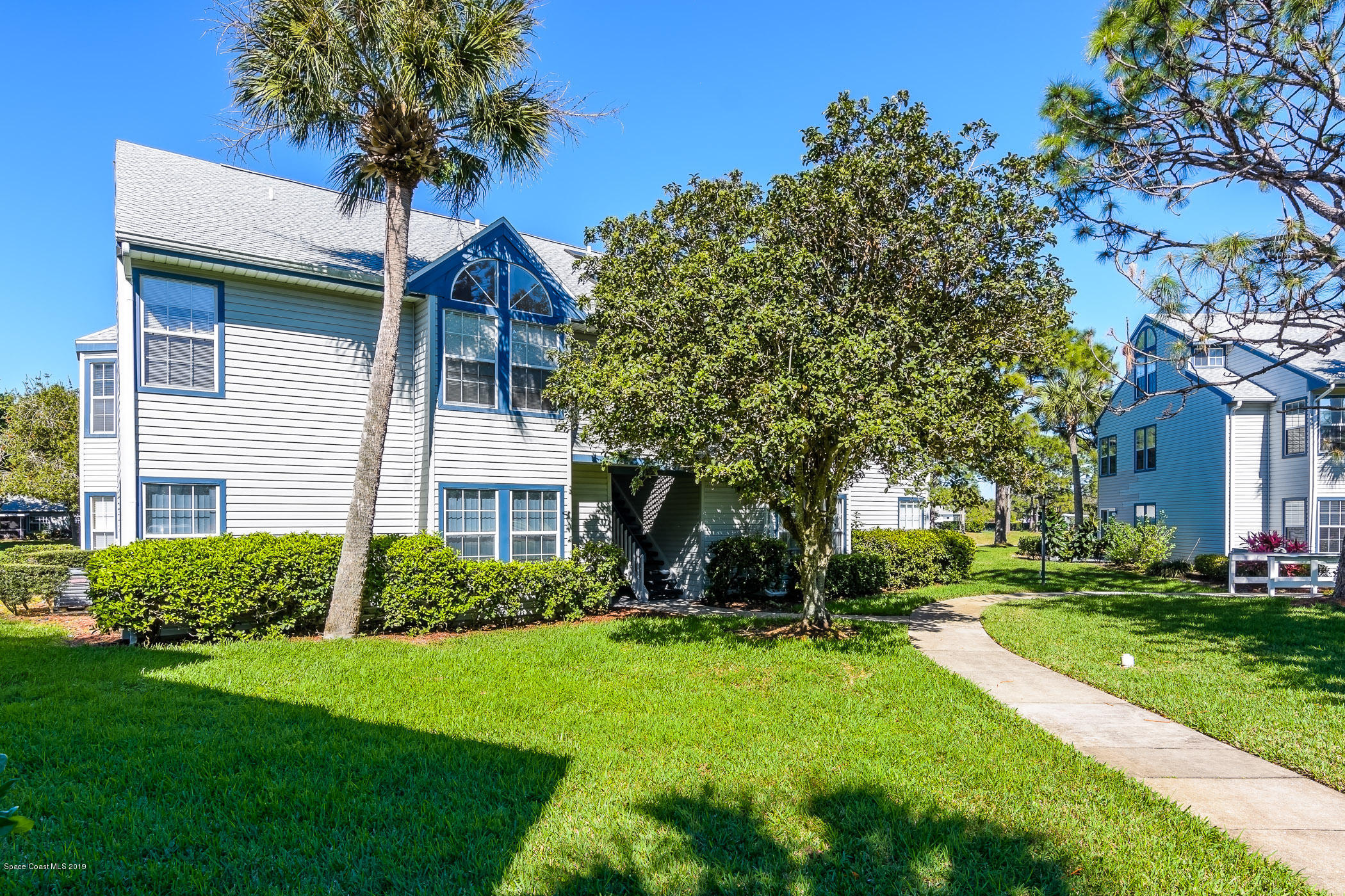 Single Family Home for Sale at 4870 Lake Waterford 4870 Lake Waterford Melbourne, Florida 32901 United States