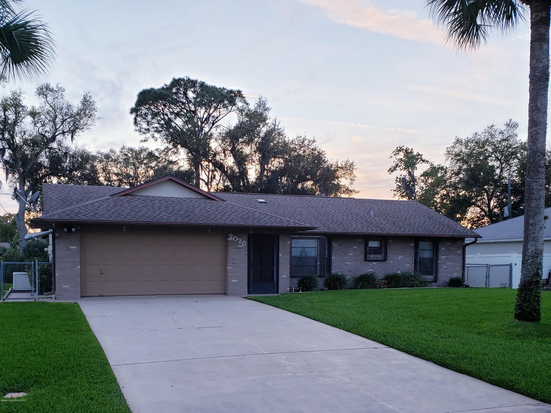 Maison unifamiliale pour l Vente à 2028 Juniper 2028 Juniper Edgewater, Floride 32141 États-Unis