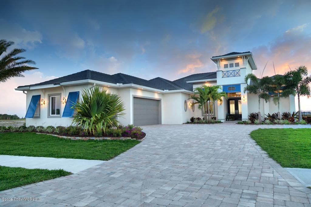 Частный односемейный дом для того Продажа на 2218 N Riverside 2218 N Riverside Indialantic, Флорида 32903 Соединенные Штаты