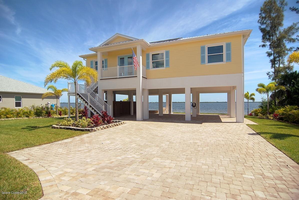 Enfamiljshus för Försäljning vid 4075 S Us Hwy 1 4075 S Us Hwy 1 Grant Valkaria, Florida 32949 Förenta staterna