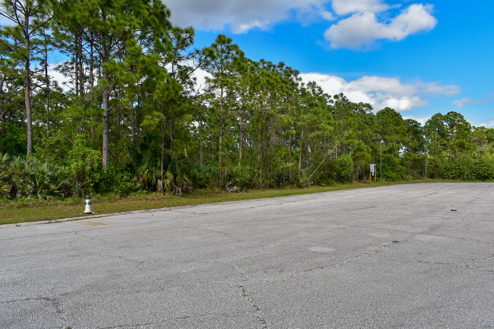Commercial for Rent at 291 Interstate Palm Bay, Florida 32909 United States