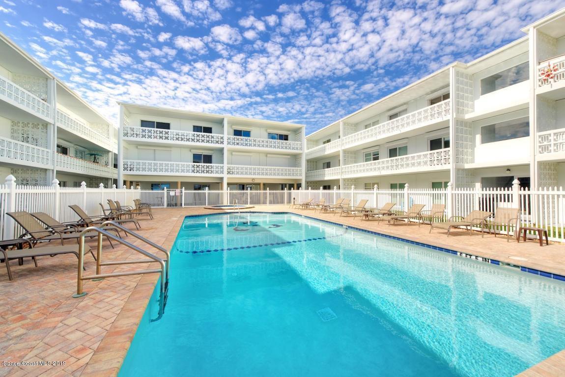 Enfamiljshus för Hyra vid 4800 Ocean Beach Cocoa Beach, Florida 32931 Förenta staterna