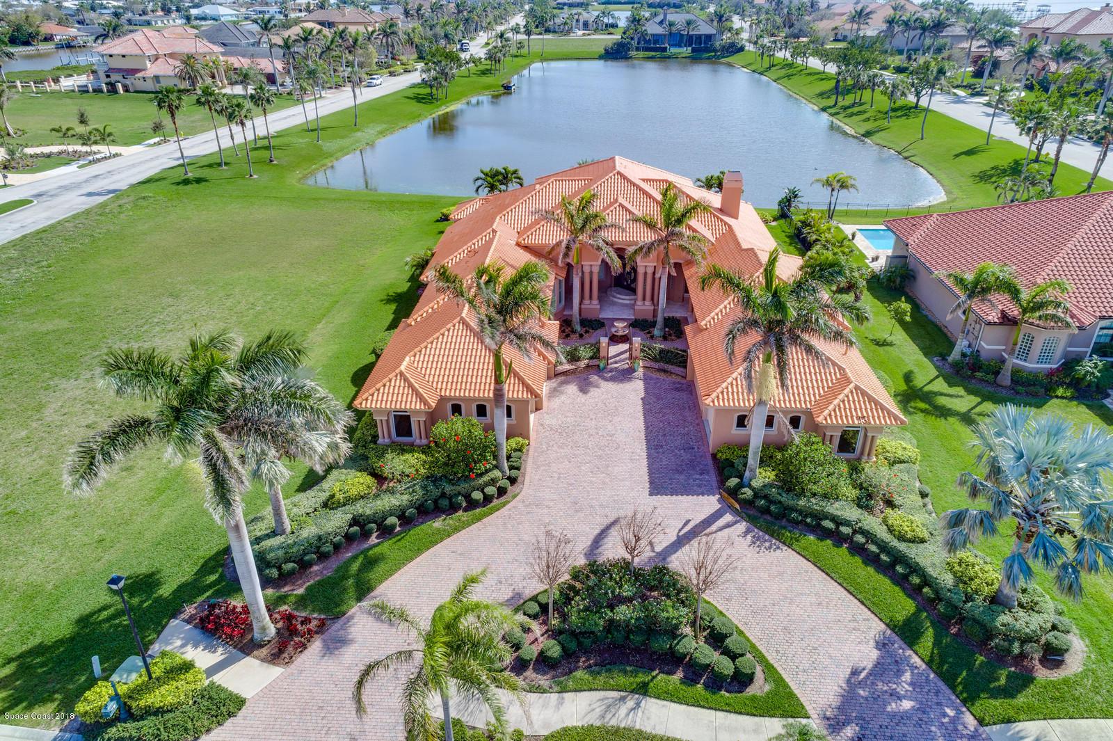 Single Family Homes for Rent at 343 Lansing Island Satellite Beach, Florida 32937 United States