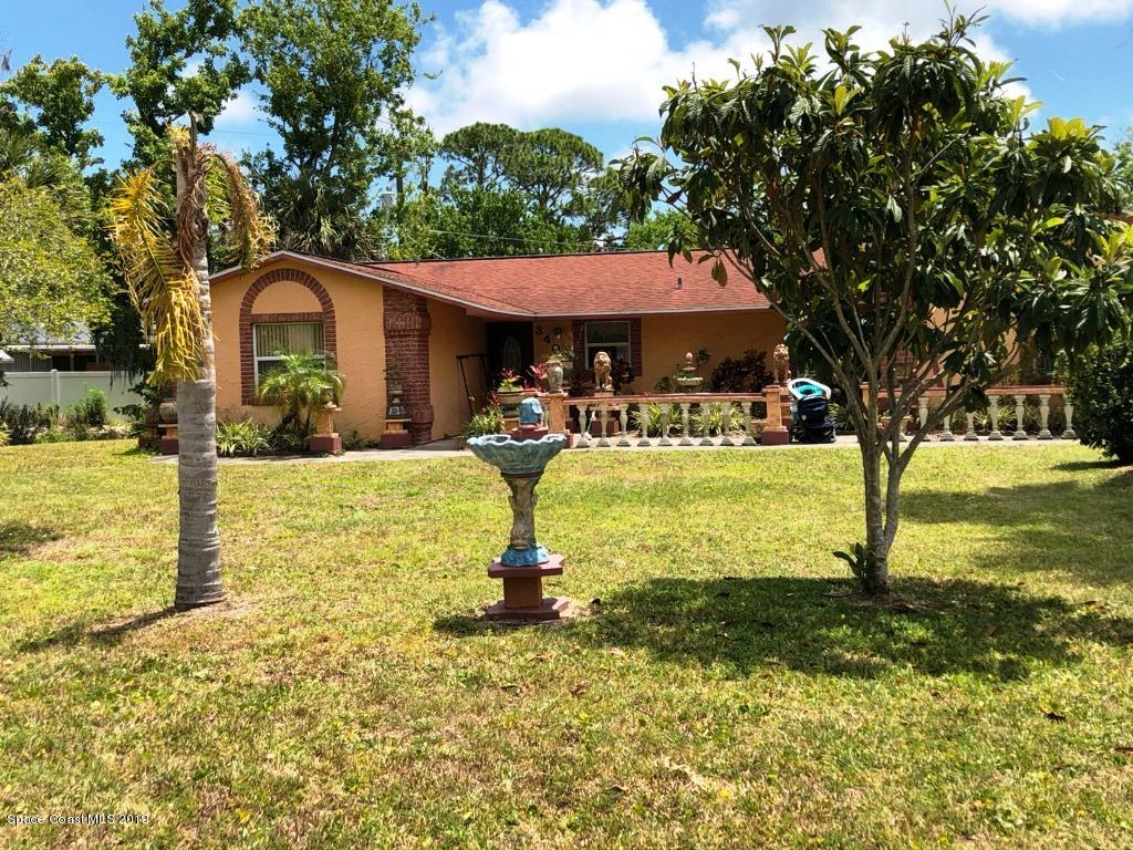 Vivienda unifamiliar por un Venta en 3405 Woodland Edgewater, Florida 32141 Estados Unidos