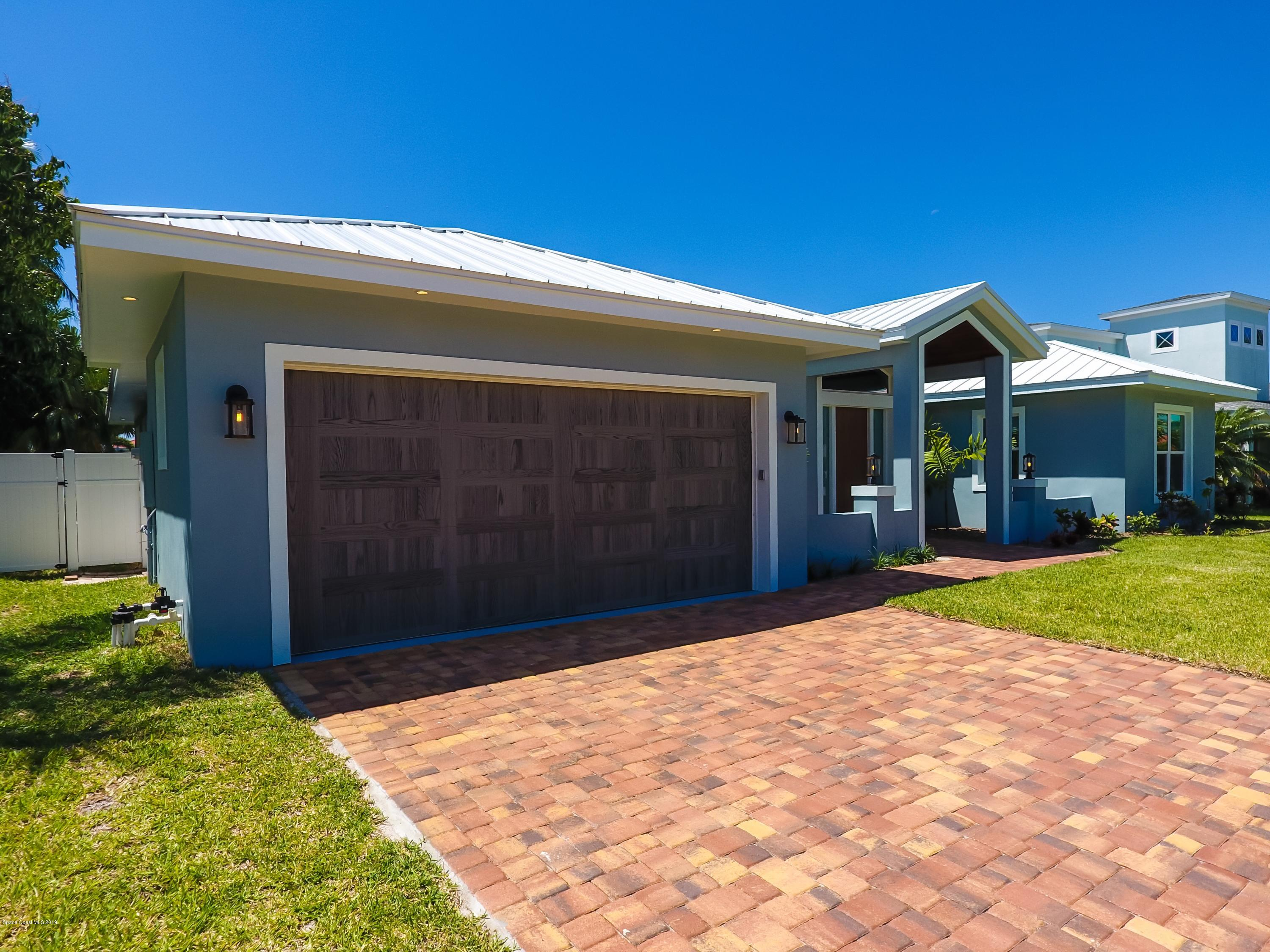 Single Family Homes for Rent at 112 Cat Cay Indian Harbour Beach, Florida 32937 United States