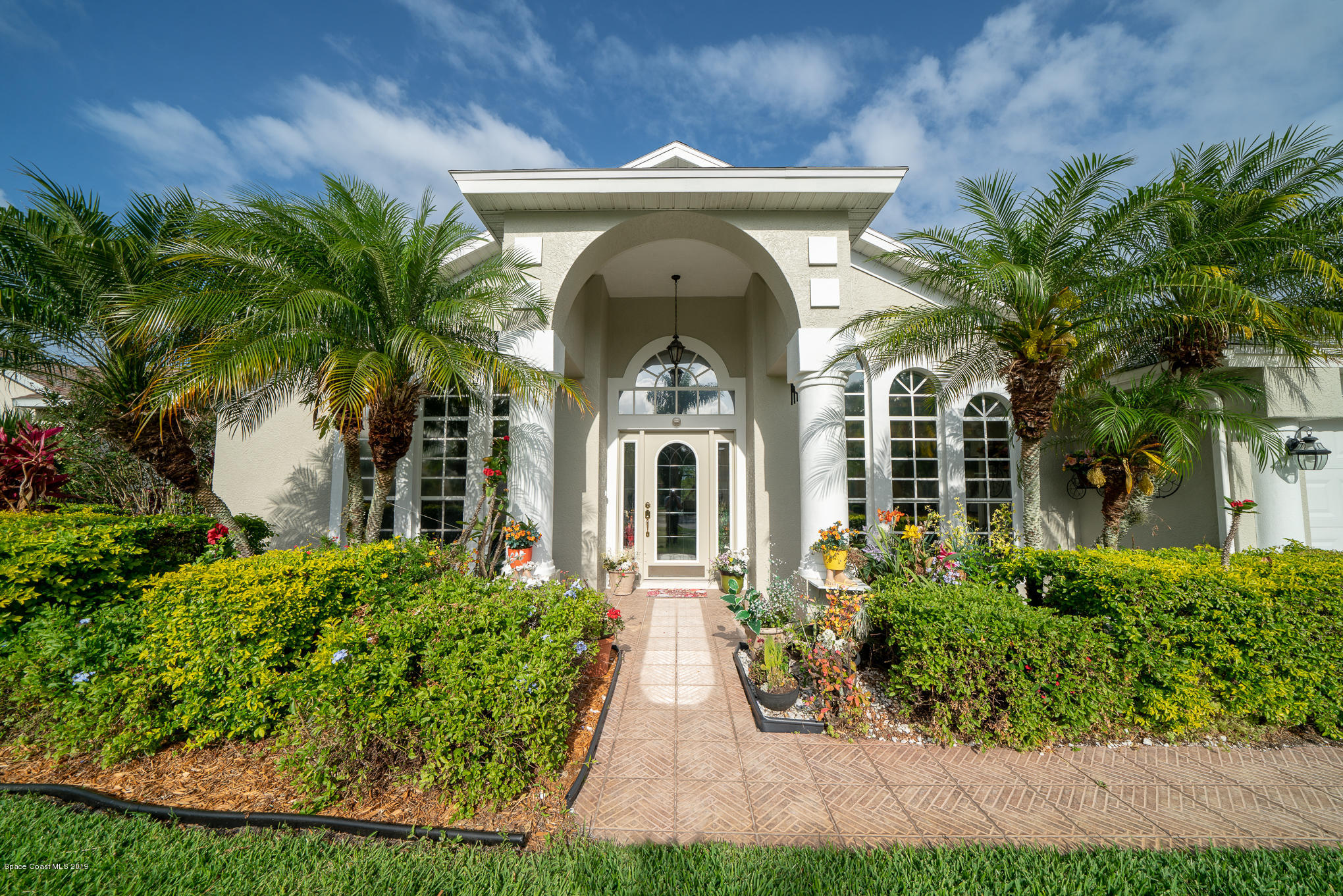 Single Family Home for Sale at 903 Carriage Hill Melbourne, Florida 32940 United States